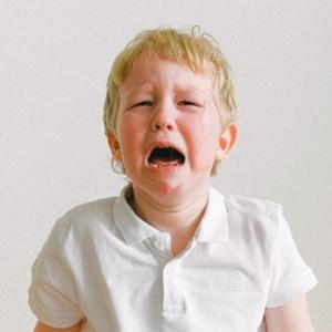 boy crying - Your Parenting Mojo